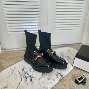 Zara Sock-style Lug Sole Leather Ankle Boots: 37